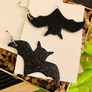 🎃 4 for $20 🆕 Large Black Bat Earrings